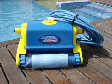 Robot piscine typhoon junior for Robot piscine typhoon